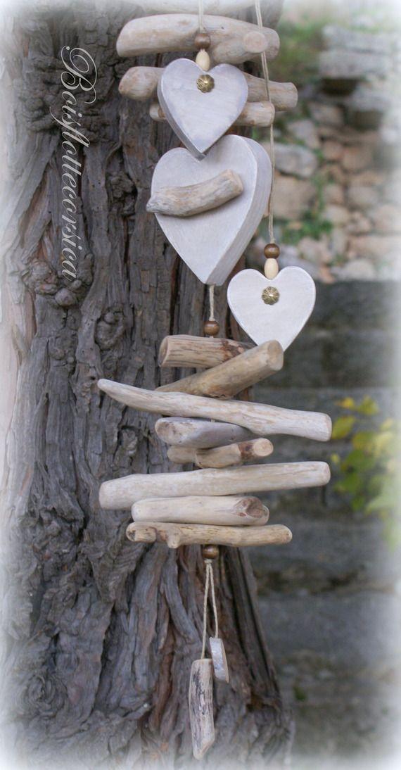 Artisanal Guirlande d/écorative 3 Coeurs en Bois Blanc patin/é.