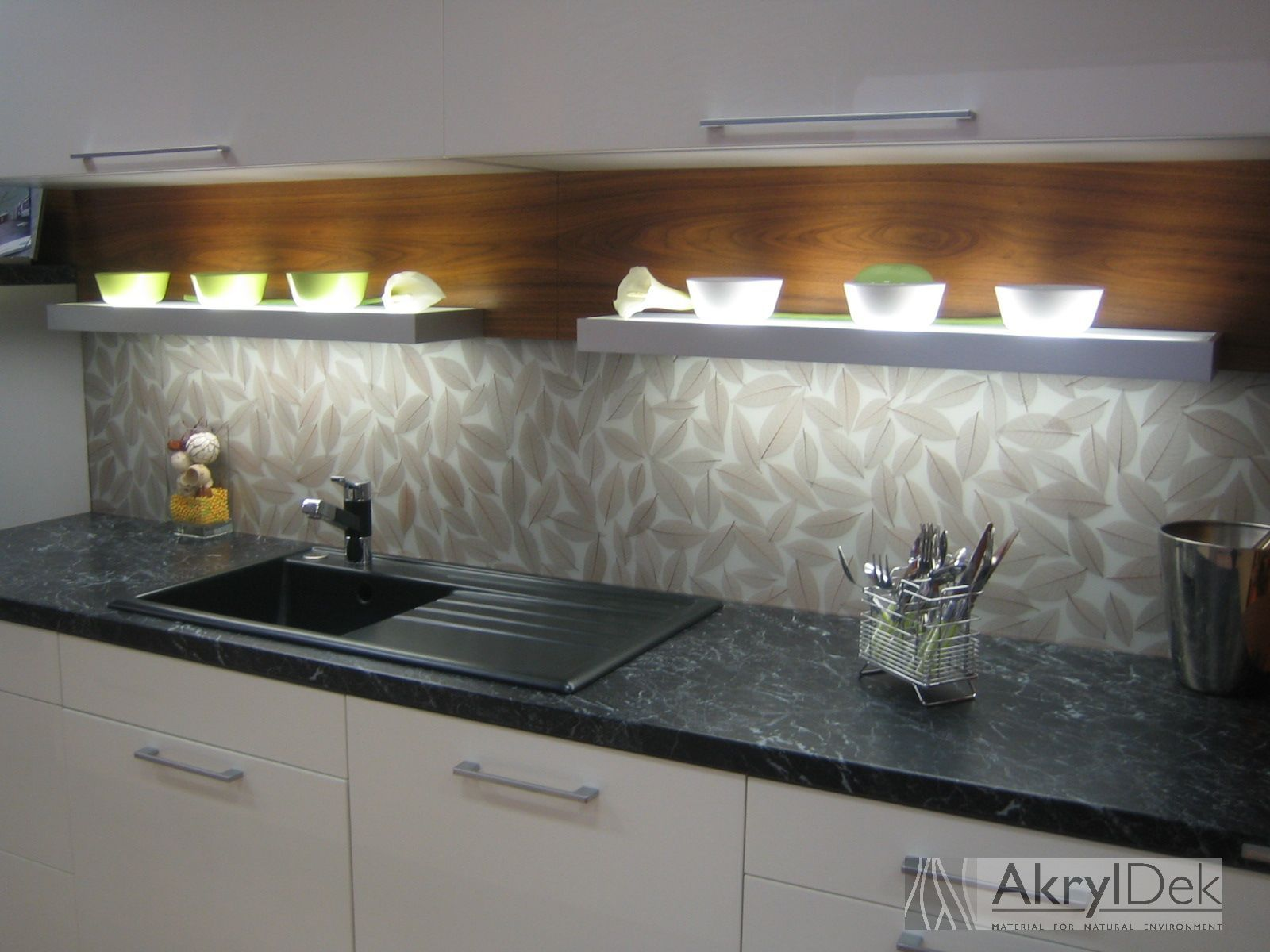 Delightful Kitchen Wall Decoration Instead Of Kitchen Tiles, Pattern Of Brown Leaves # Resin #acrylic
