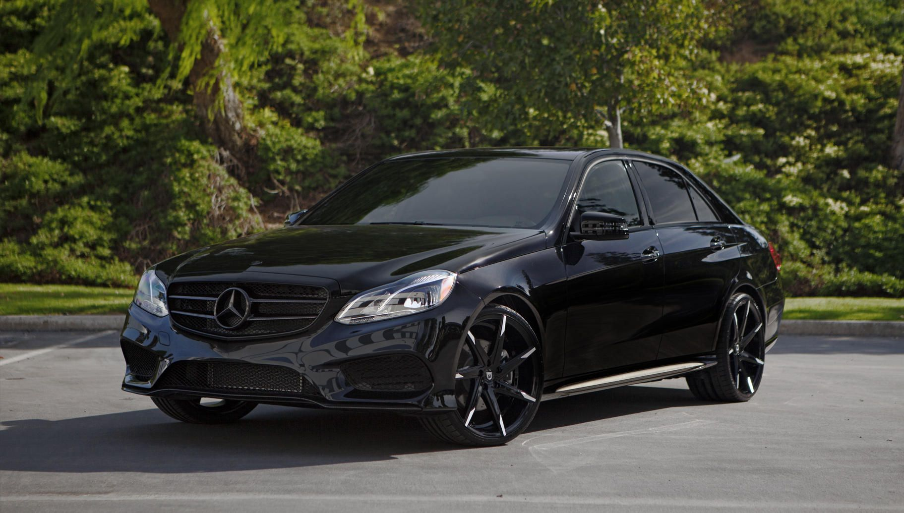Lexani wheels the leader in custom luxury wheels css 7 for Mercedes benz customized