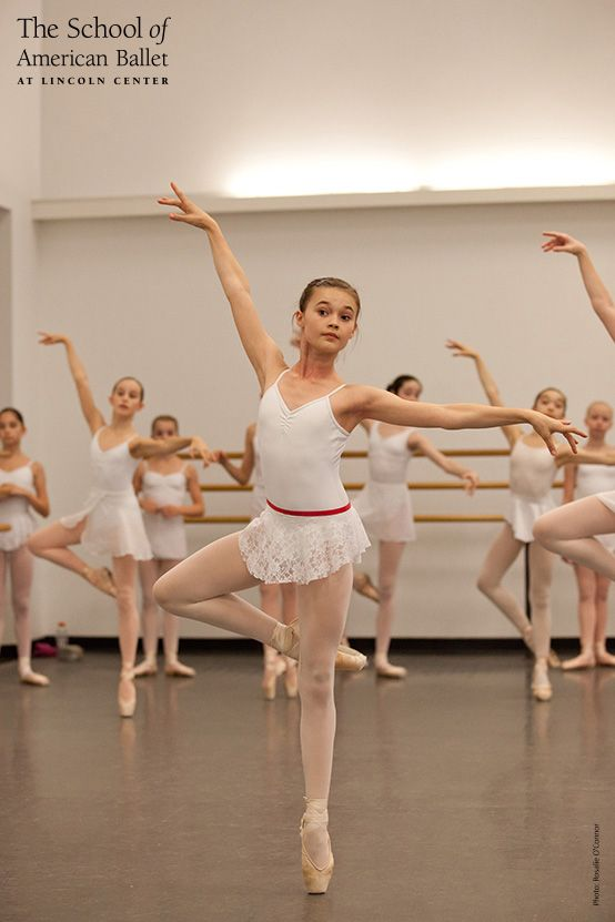 Girls Group I Pointe Class  Summer Course Classroom In -2110
