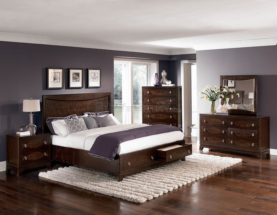 Traditional warm brown cherry finish bedroom wstorage footboard