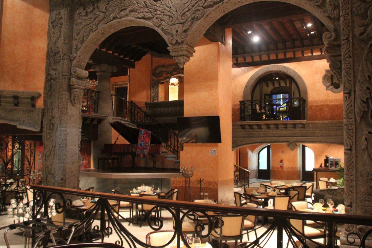 Los Pavo reales en Santiago de Querétaro, Querétaro de Arteaga