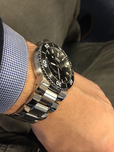 Oris Aquis Date wrist shot. love this watch   Watches ...