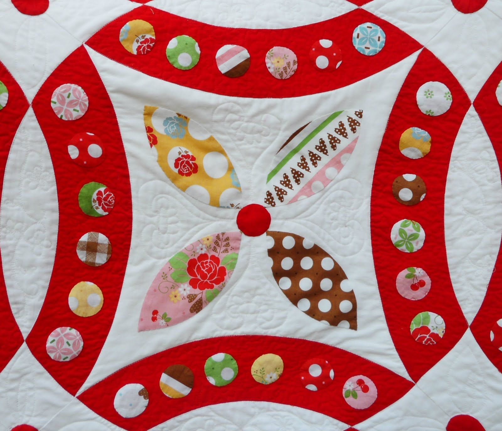 Quilt Story Amazing double wedding ring quilt 32907 stitches not