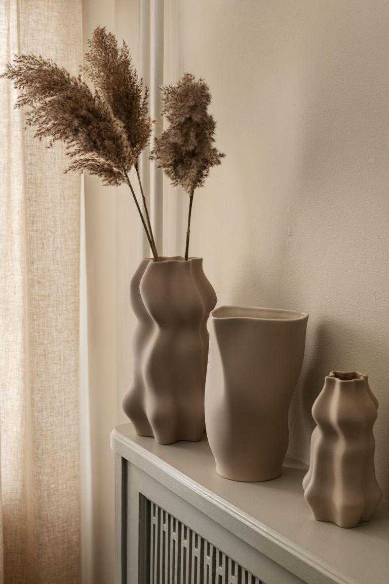 Large Ceramic Vase Natural White Home All H M Gb In 2020 Large Ceramic Vase Ceramic Vase Glazed Ceramic