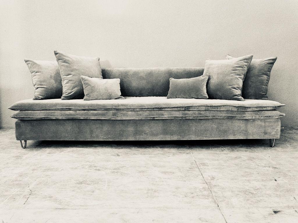 Canapé sur mesure Mille Et Une Nuit velours lavé gris souris