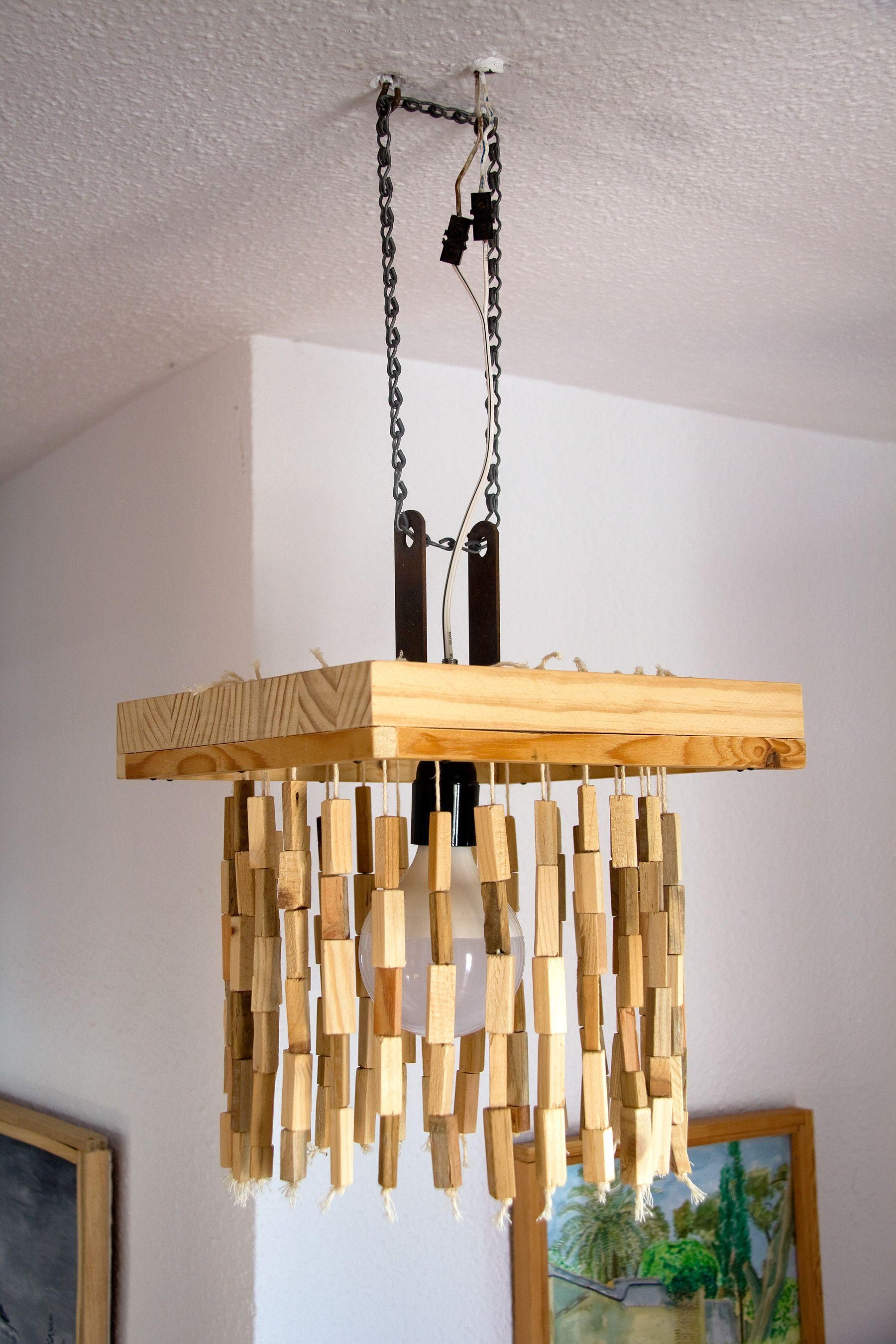 con reciclada Lámpara de de madera colgando listones techo b7f6yYg