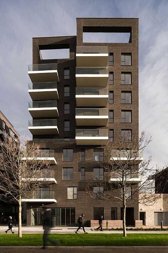 Greenwich Peninsula Riverside housing in London by C.F. Møller ...