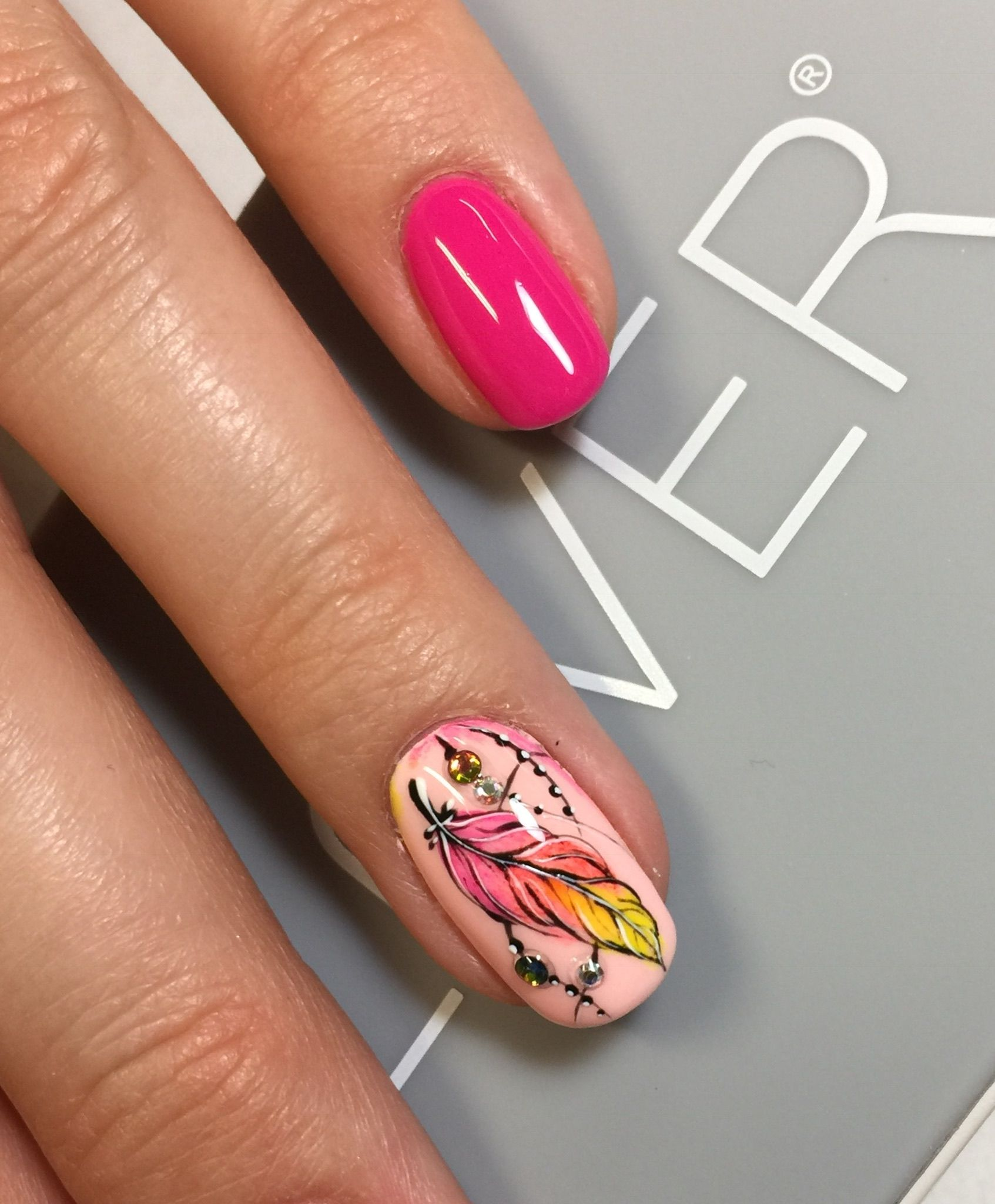 Pin by Юлия on идеи маникюра | Pinterest | Winter nail art, Flower ...