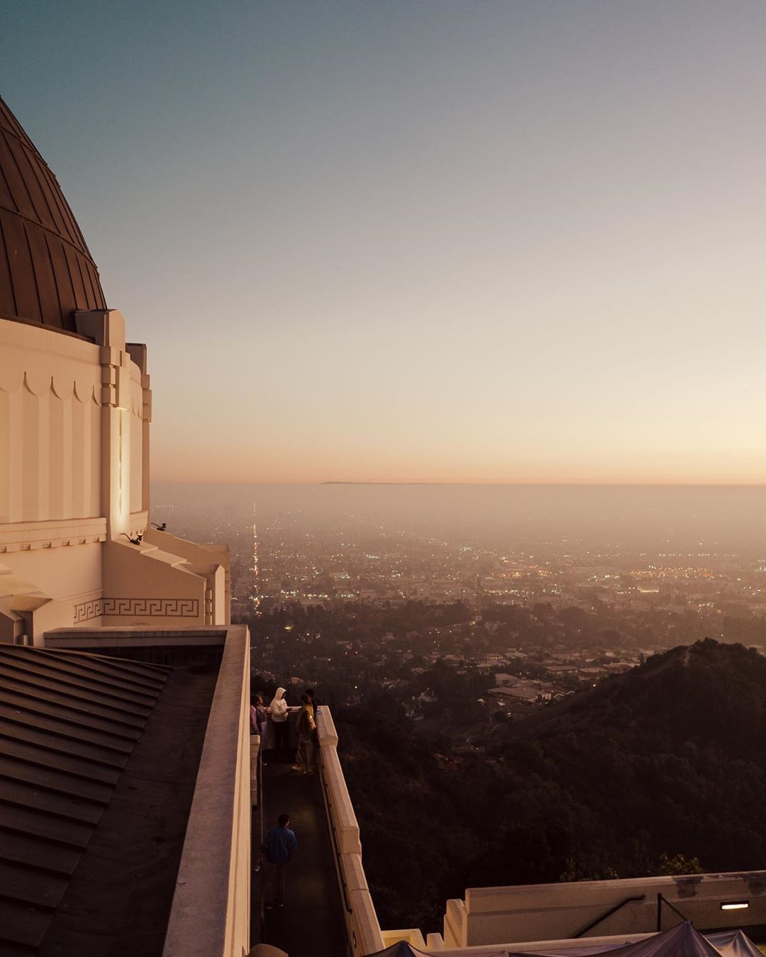 "Daniel Böswald's Instagram profile post: ""View over LA from Griffith Observatory 🔭🌆 #losangeles #lacity #downtownla #california #cali #californiadreaming #calilife #calilifestyle…"""