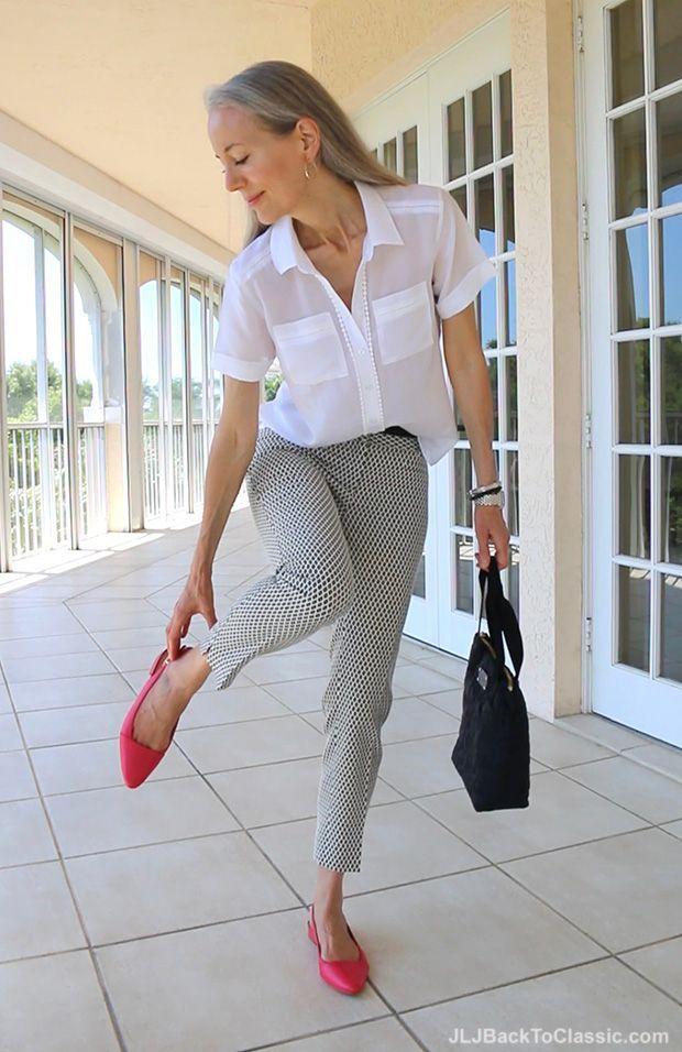(Video) Classic Fashion Over 40/50: Schwarz und Weiß mit Koralle - Ann Taylor - Kurze Jacquardhose #over50