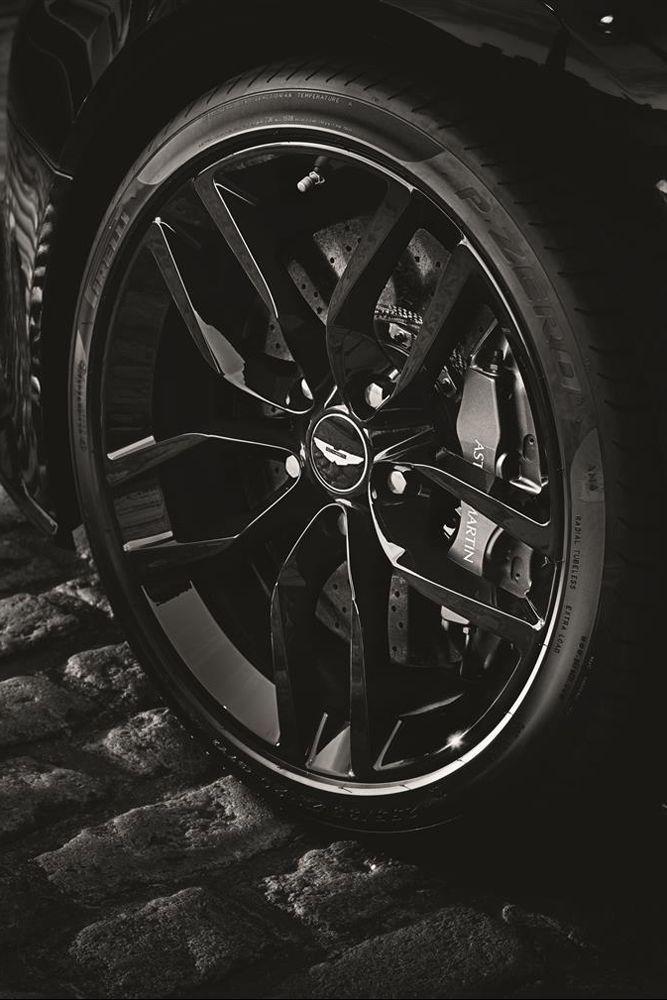 Aston Martin Vanquish 2015 Carbon Black Wheel Aston Martin Aston Martin Vanquish Black Wheels