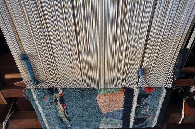 Scuola Tappeti Caruso. www.italianways.com/scuola-di-tappeti-caruso-art-and-the-worlds-age/