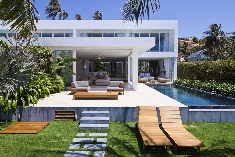 Moderner Garten mit Pool und Sonnenterrasse | garten | Pinterest ...