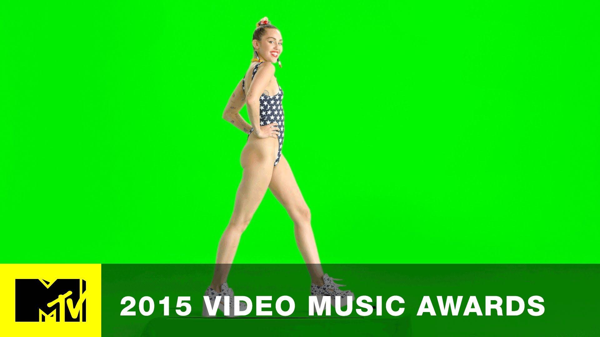 VMA 2015: Miley Struts To The VMAs | MTV