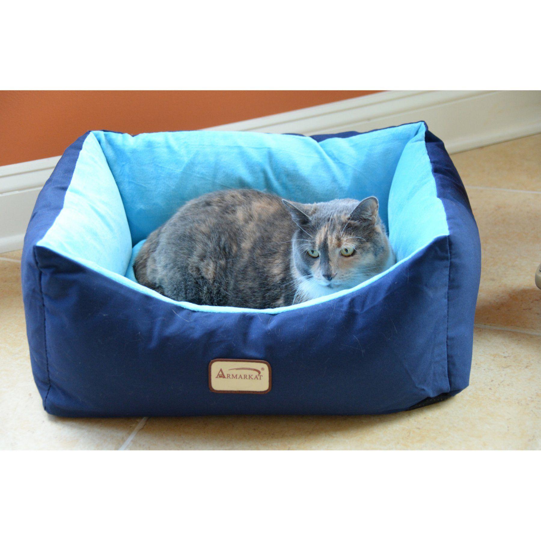 Armarkat Cat Dog Pet Bed in Burgundy - C09HSL/TL