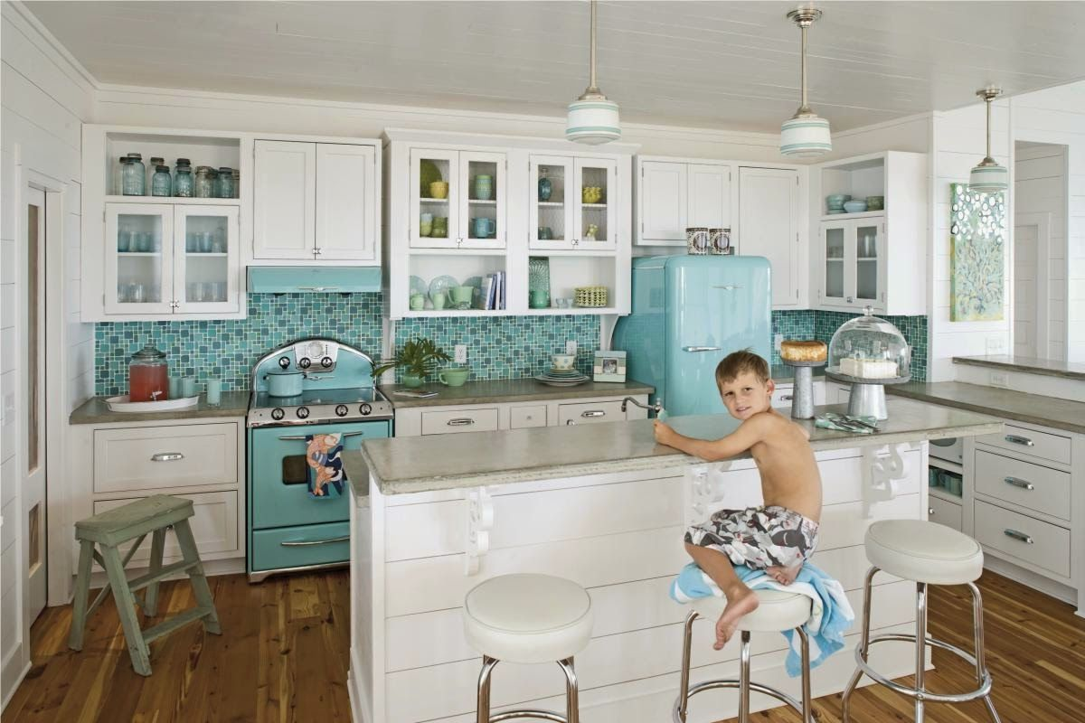 Kitchen , Put Your 1950\'s Memories Back with Retro Style Kitchen ...