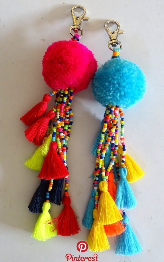 Christmas Hanging – Large Pompom and Multi-colored Small Tassels Key Charms /Tassels & Pompom Key Ch