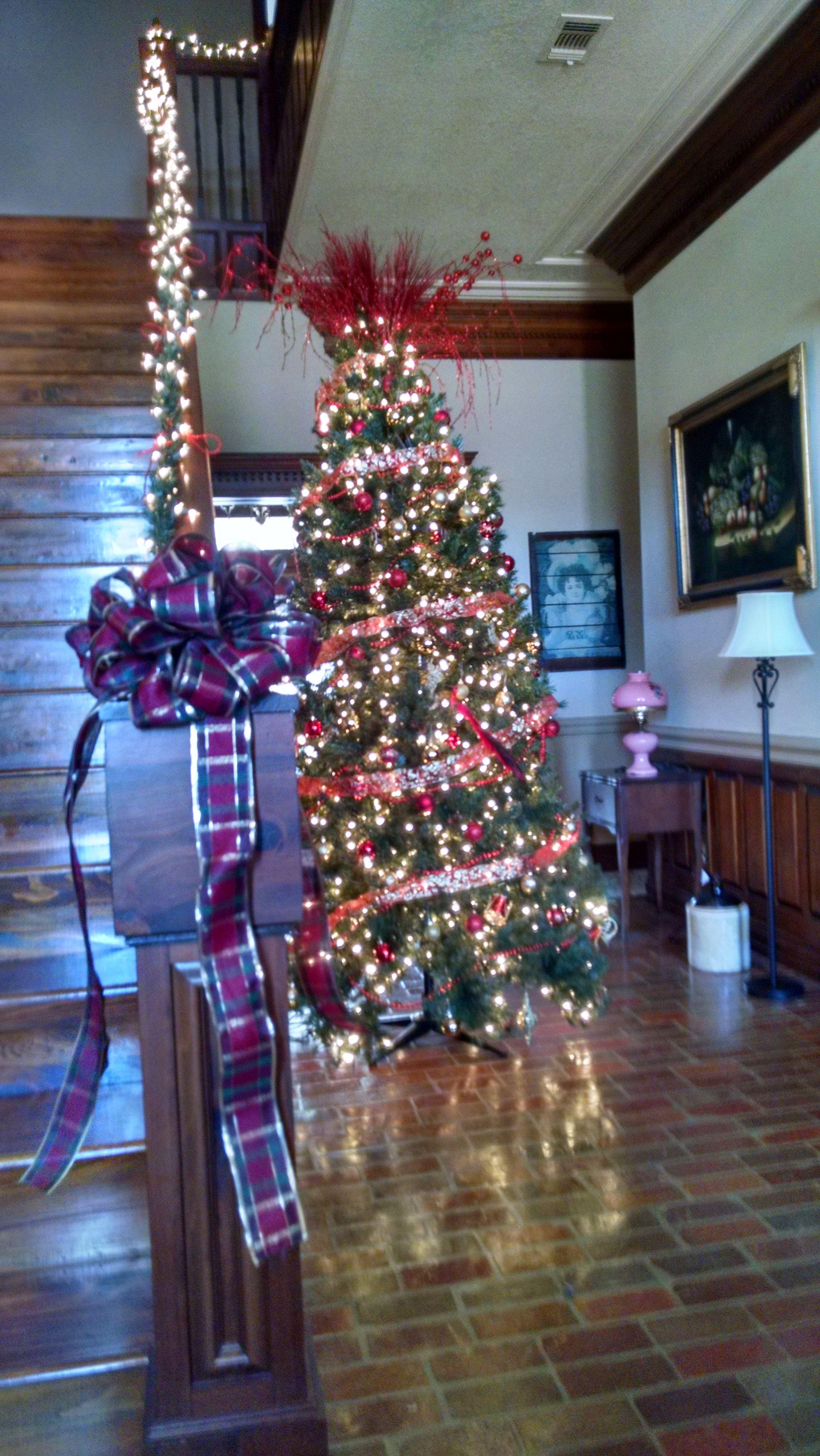 9' Foot Tree With lighted stair railings. Vancleave ...