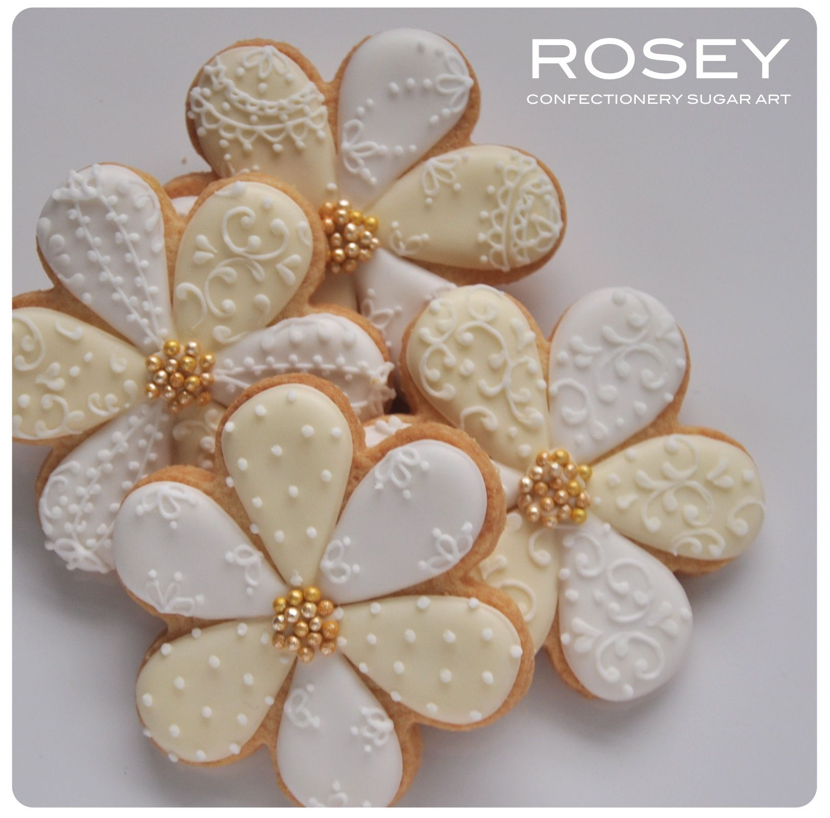 lacy flower cookies