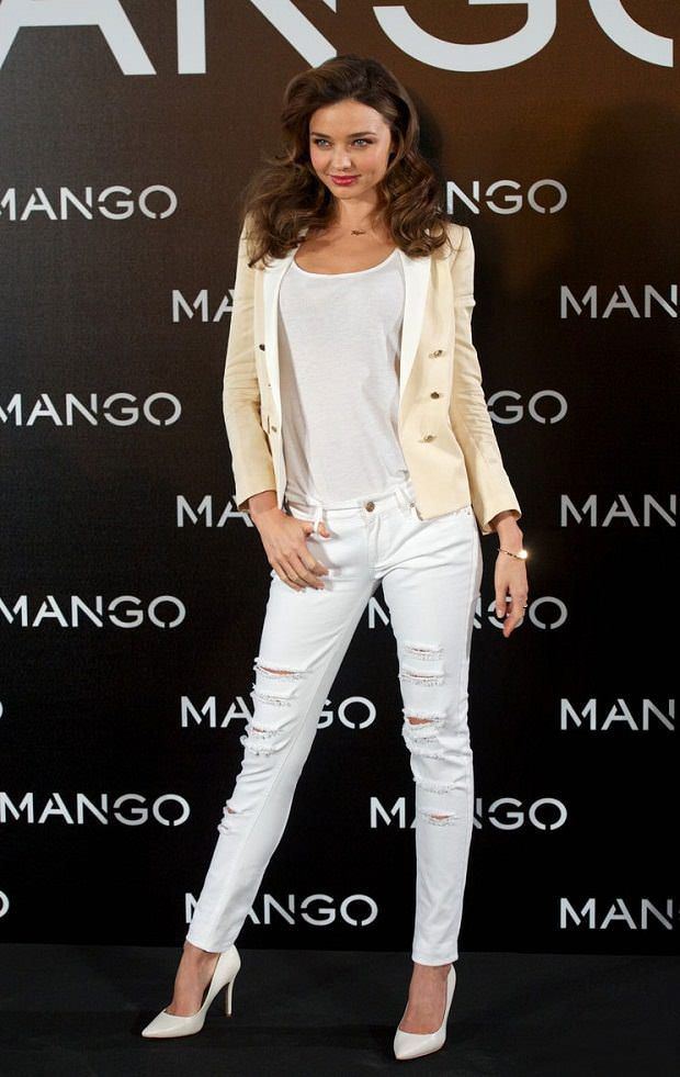 30c231b01129db Miranda Kerr in Ripped all Over Denims from LooksGud.in