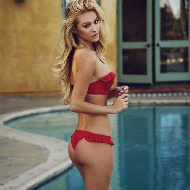 Hot Bikini Bum
