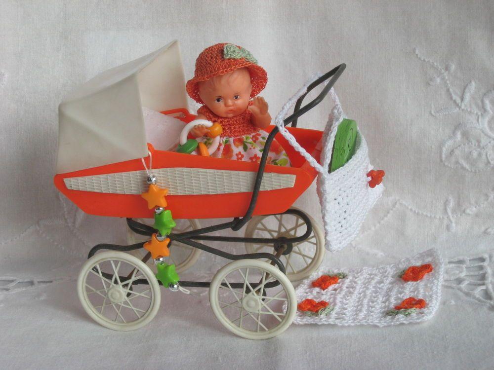 Puppenstubenwagen mit püppchen und reizendem zubehör