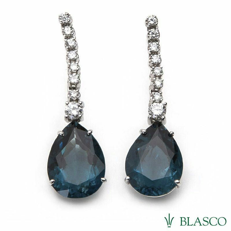 #pendientes de novia #weddings #bodas #novias #earrings #diamonds #topacios azules london blue www.blascojoyero.com/tienda