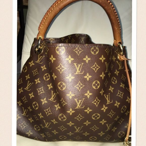 f990dd38132e0 Buy Discount  Louis  Vuitton  Artsy Handbags Only  190 For This Site ...