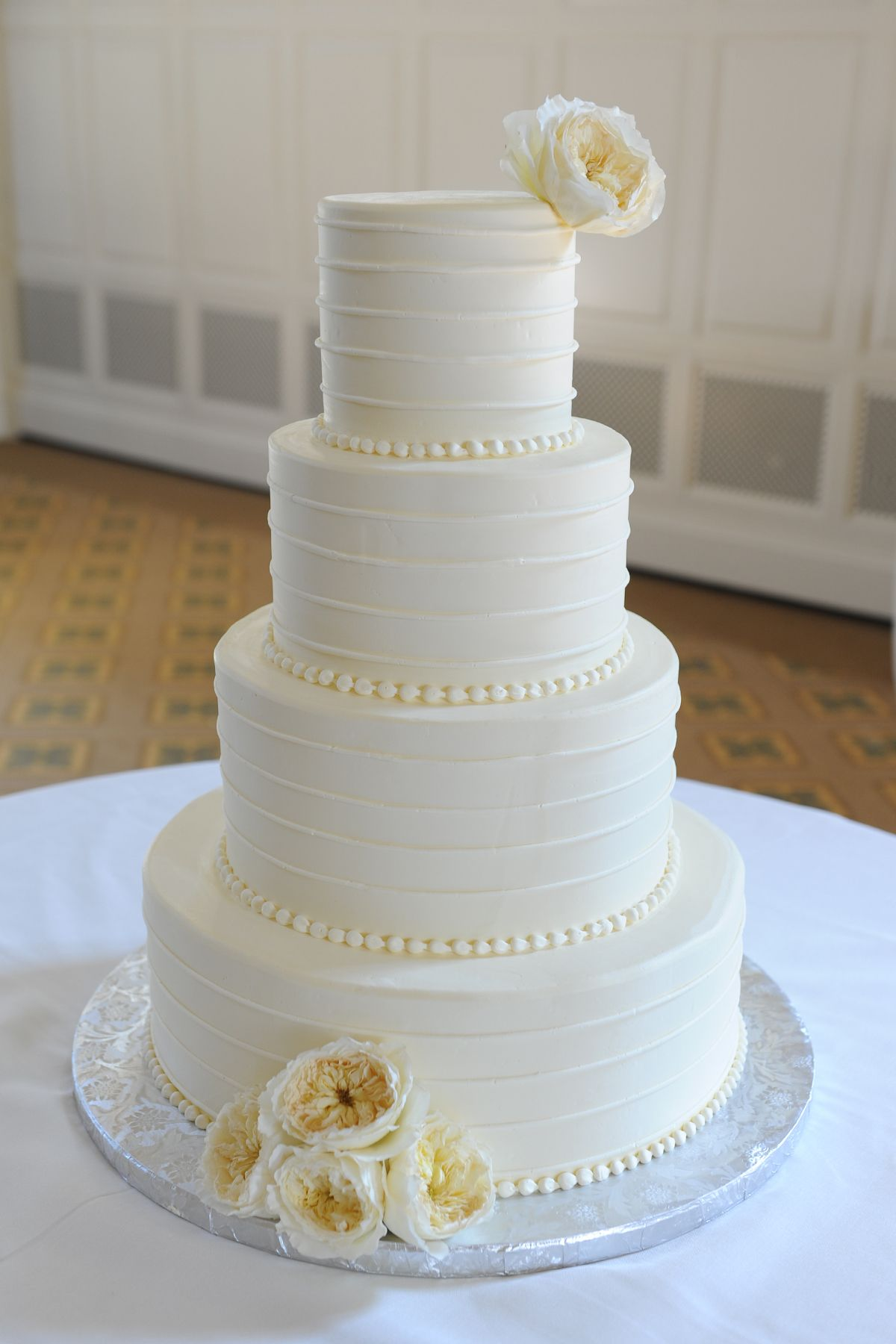 simple white wedding cake tying the knot pinterest white wedding cakes wedding cake and cake. Black Bedroom Furniture Sets. Home Design Ideas