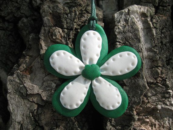 Gorgeous hand made from polimer clay necklace -green and white flower