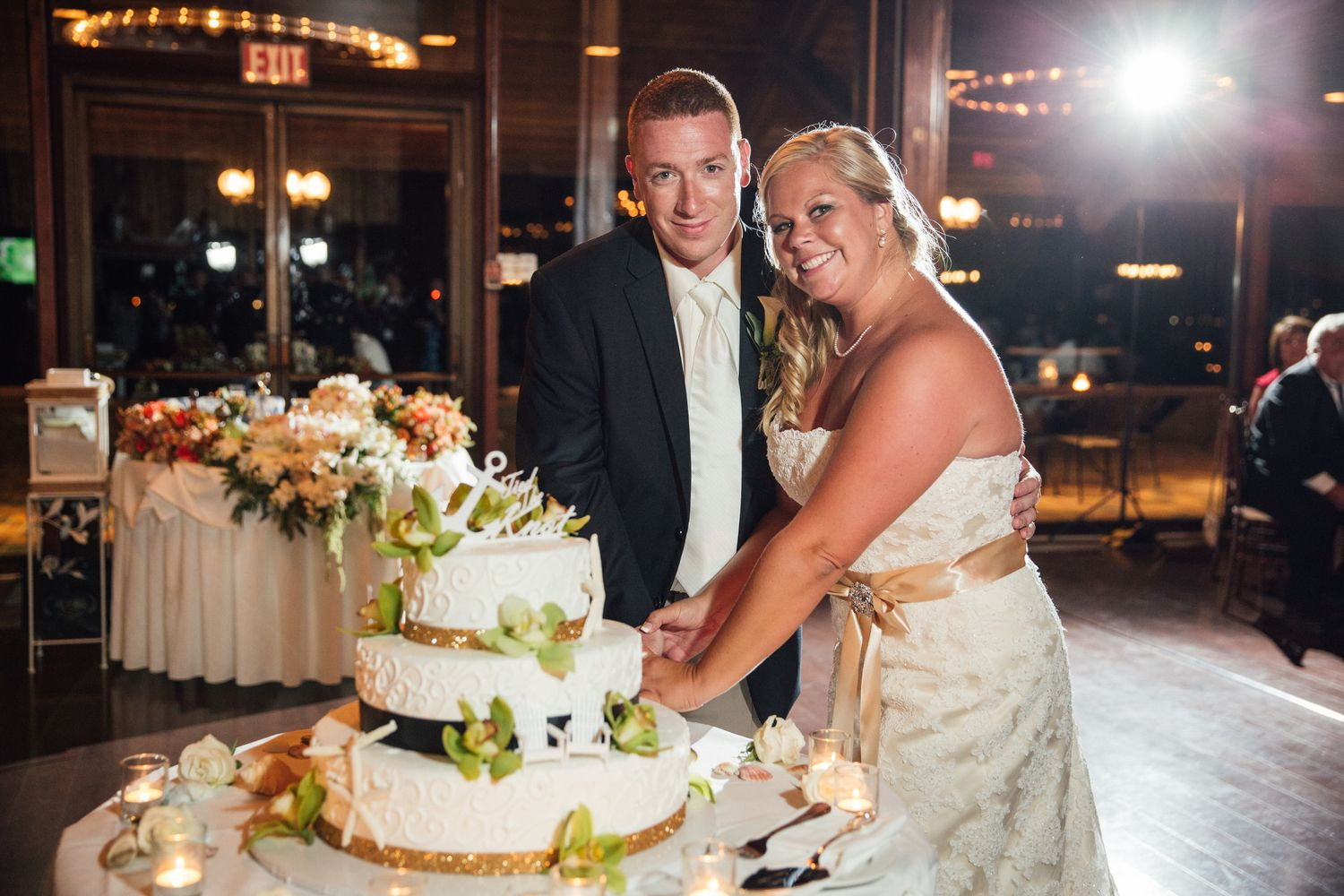 Cake cutting at 360 East at Montauk Downs See the whole wedding here http://www.mattstallonephotography.com/recent-stories/2015/1/13/360-east-at-montauk-downs-wedding-photography