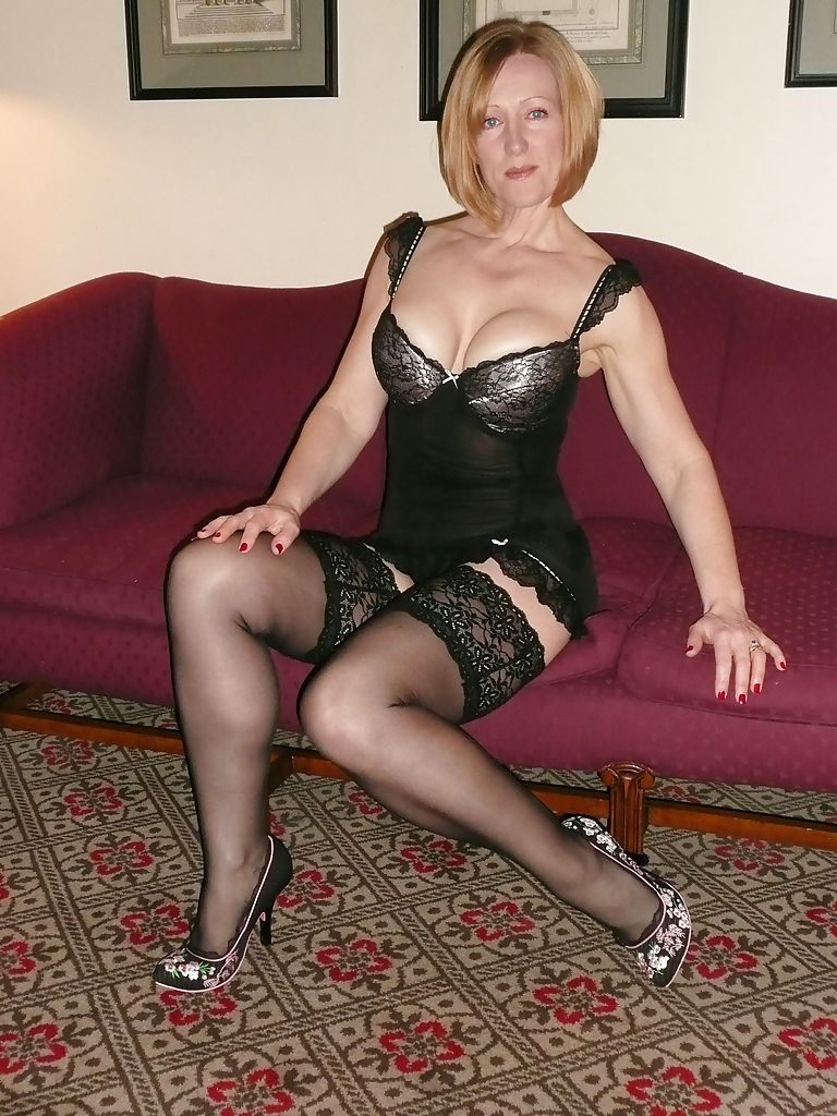 Bean mature wife in stockings cock