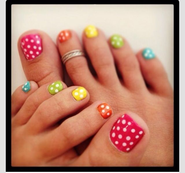 Love the colors and the poka dots make it look a whole lot better ...