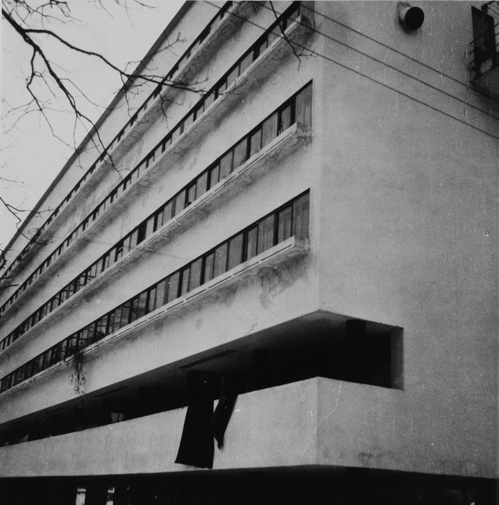 The Charnel House Robert Byron Narkomfin Apartments Moscow Ussr Charnel Moderne