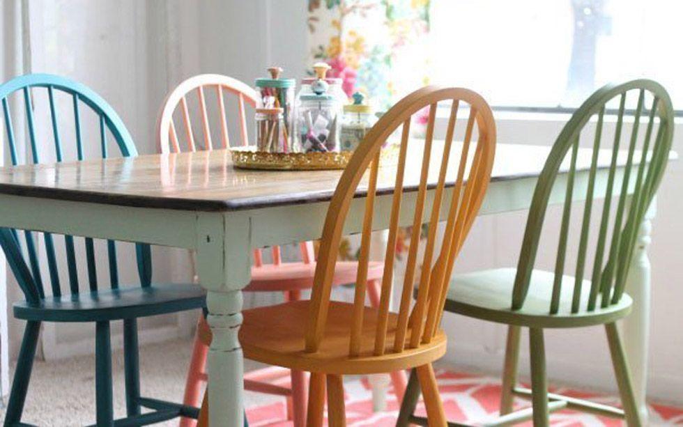 Sedie In Legno Colorate : Modi per abbinare le sedie colorate in sala da pranzo cafe
