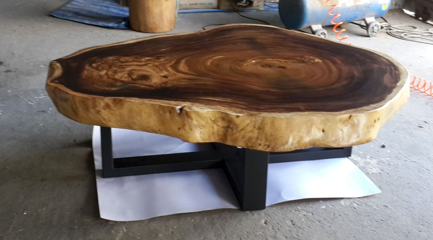 - Live Edge Round Coffee Table Reclaimed Acacia Wood Solid Slab