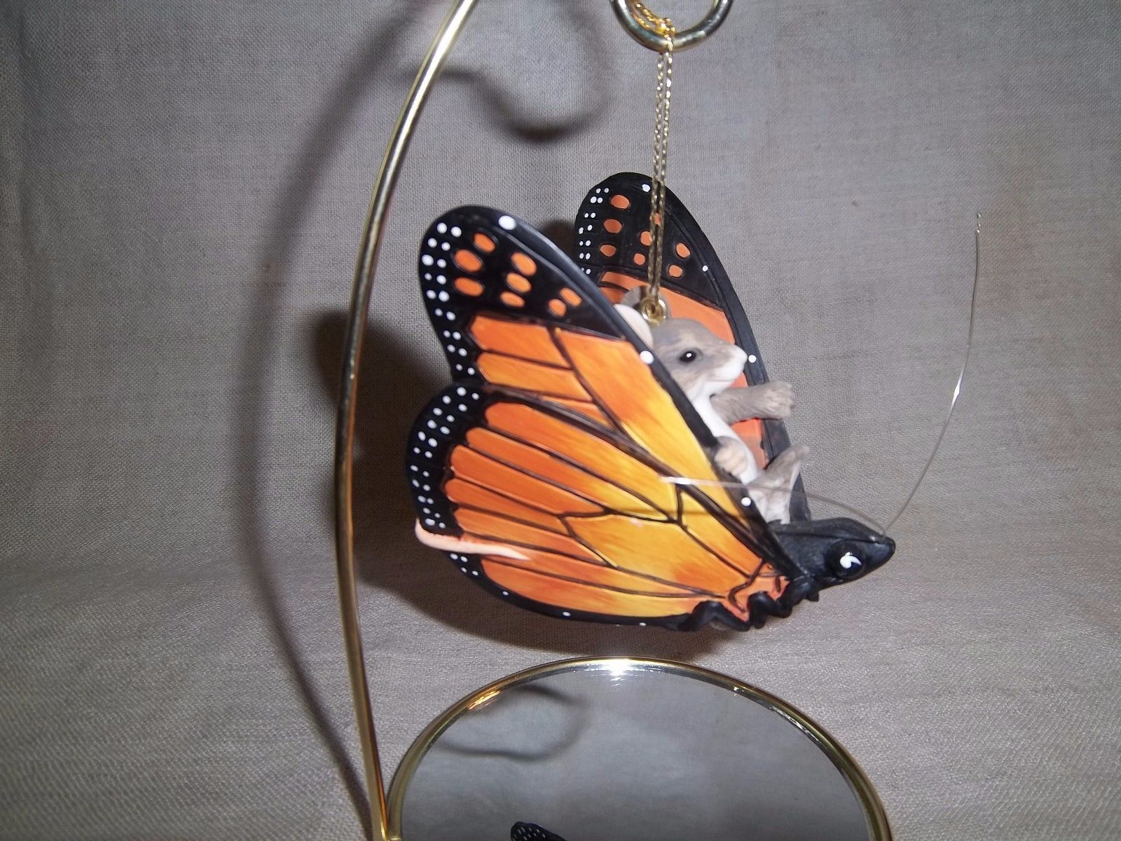 Charming Tails Mouse Riding A Monarch Butterfly Hanging Figurine On Mirror Base For Sale 7 00 See Photos Money Back Guarantee Here Is An Adorable Hanging
