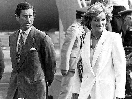 Diana & Charles , Sur la base de l'armée de Lossiemouth _ Aout