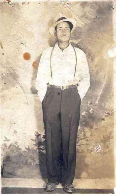 Ziqu{itaro. Jesús Campos Cerda.Album familiar