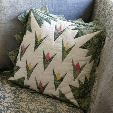 Sy selv: Patchworkpude med tulipaner - Hjemmet DK