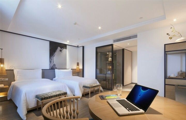 Best Hotel Interiors Image By Cho Cho On Sleeping Areas 睡眠空間 400 x 300