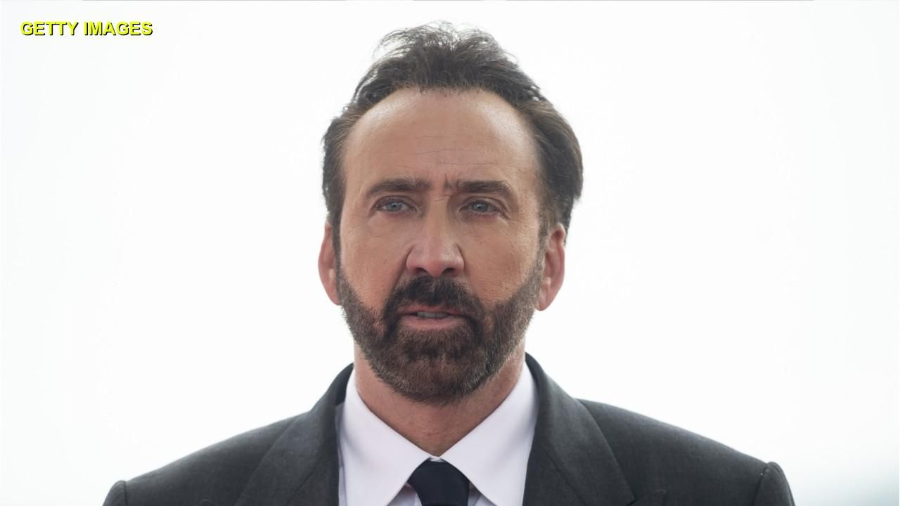 Nicolas Cage's wife of 4 days agrees to divorce, asks for