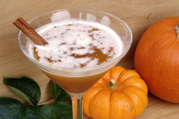 "Top Cocktail Recipes for Halloween: The ""Jack-O-Lantern"""
