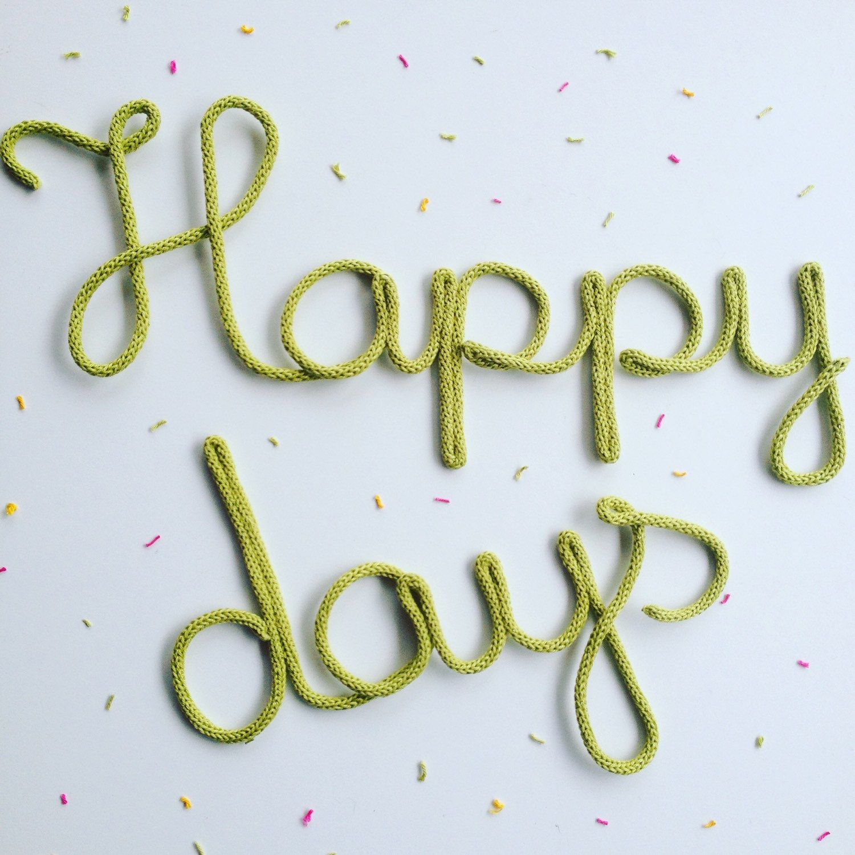 Happy days confettis vert bambou mot en laine for Decoration murale laine