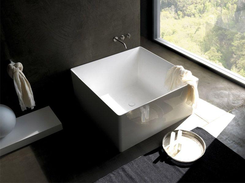 Minimalist Square Bathtub For kids in the corner of the sauna ...