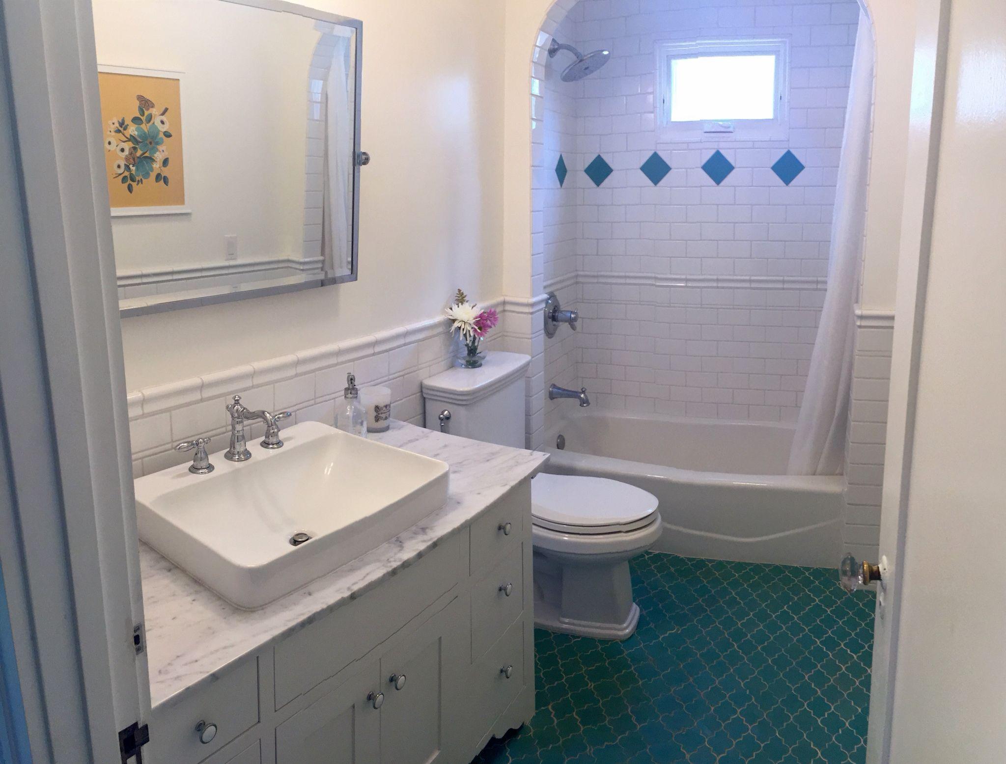 Bathroom Counter Carraramarble Faucet Delta