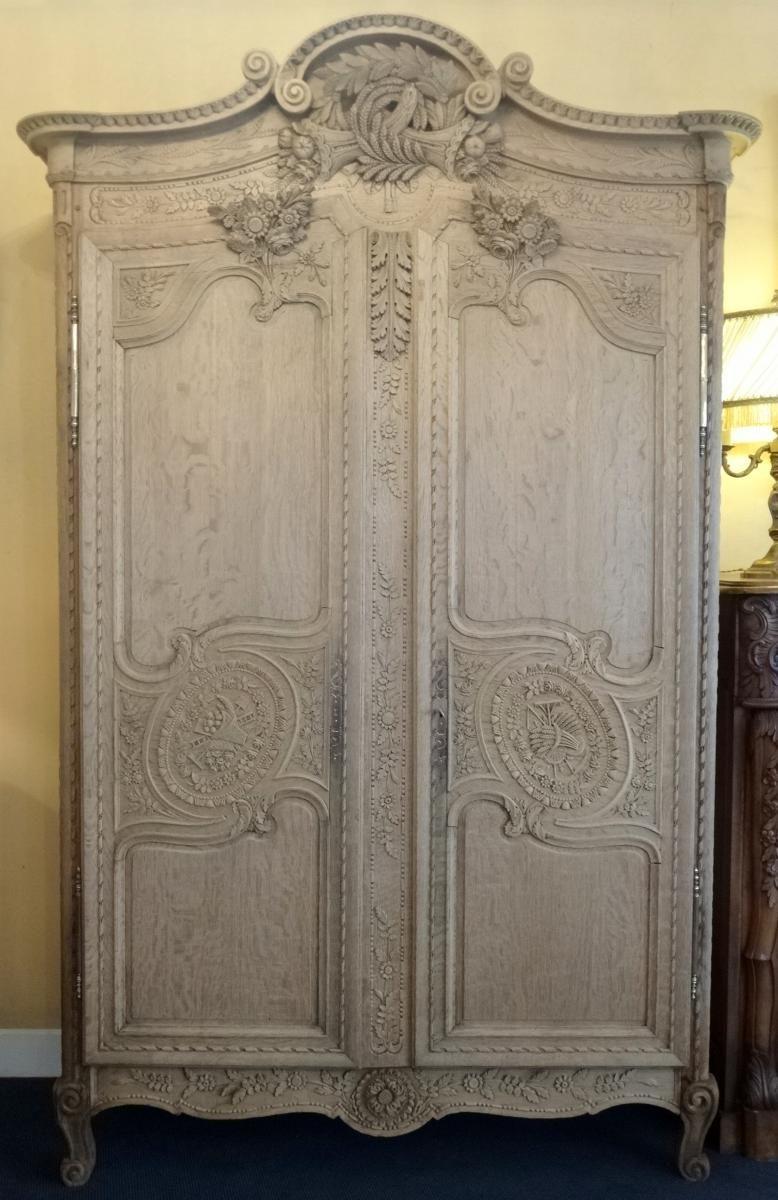 Belle Armoire Normande De Mariage Cauchoise En Ch Ne Sculpt  # Tapisser Une Armoire Ancienne