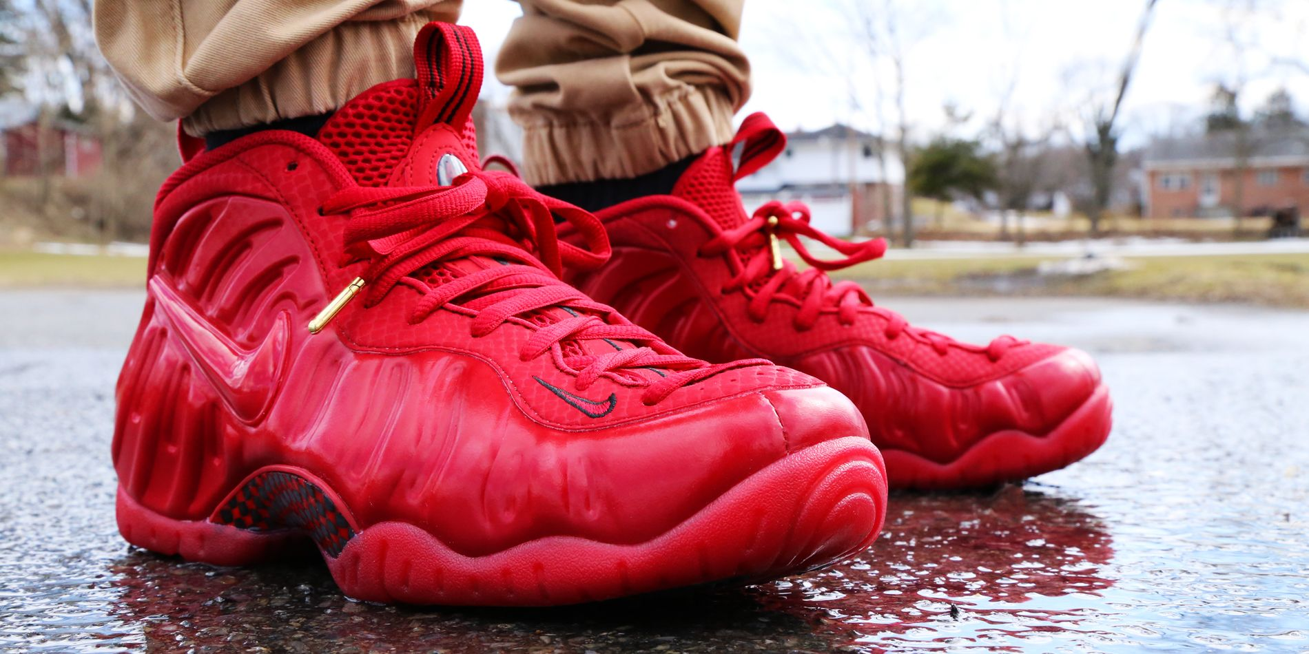 Nike Foamposite Pro goes all red for