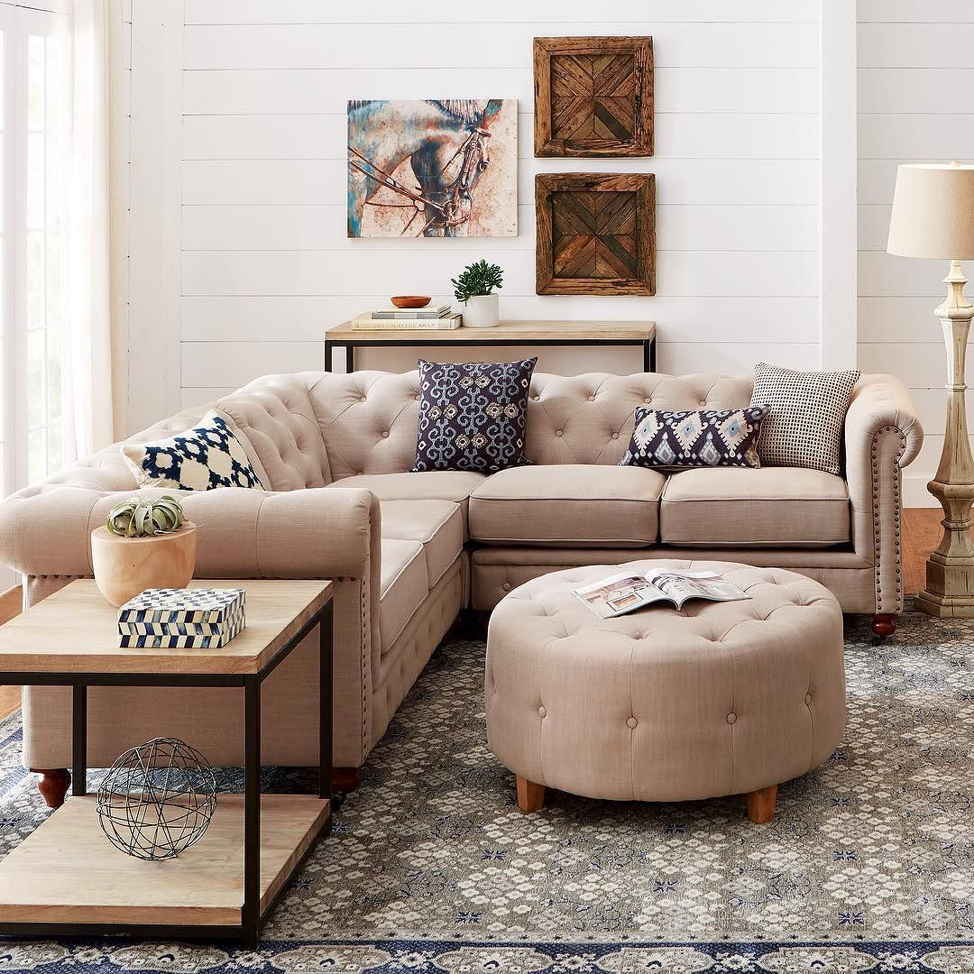 Groovy This Chesterfield Style Sectional Is Everything Link In Bio Evergreenethics Interior Chair Design Evergreenethicsorg